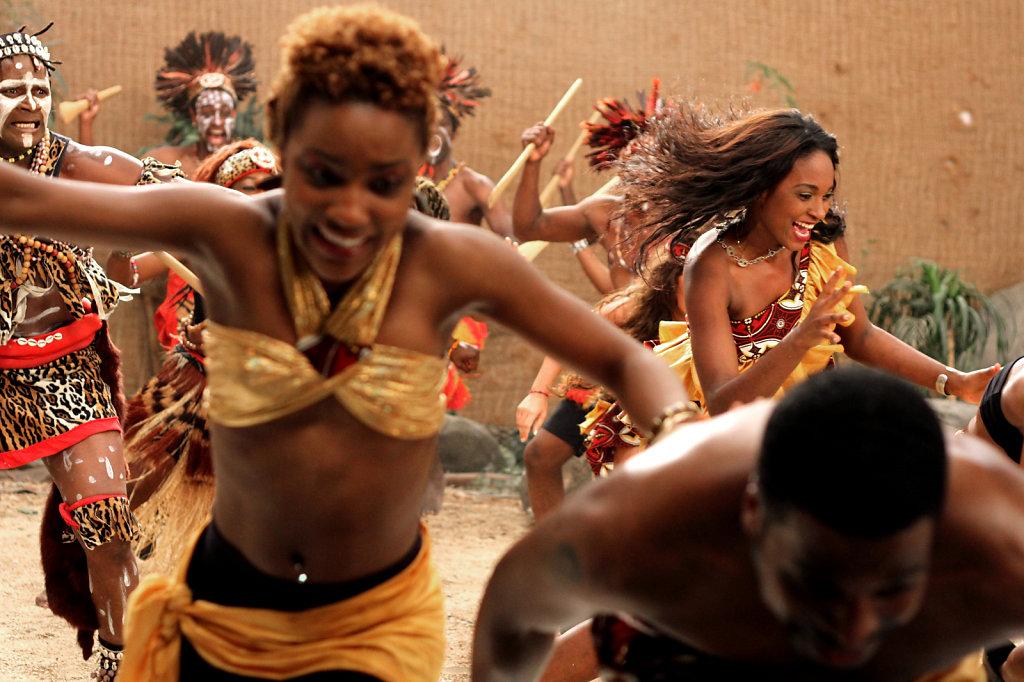 dancers at the set of clip