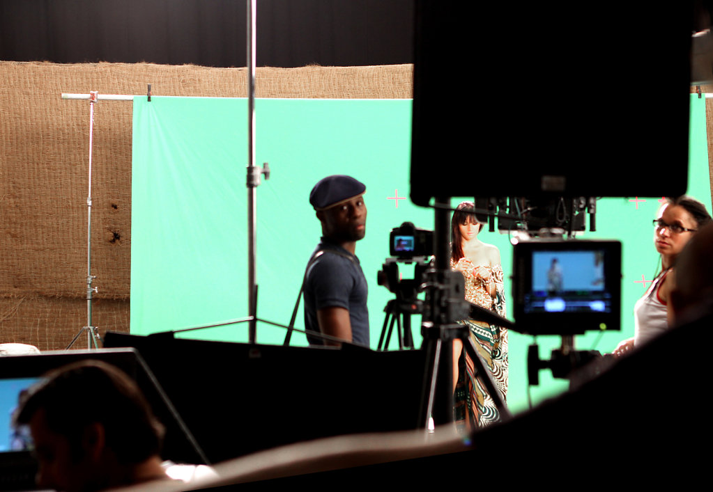 """behind the scene at the set of the clip """"sela sela"""""""