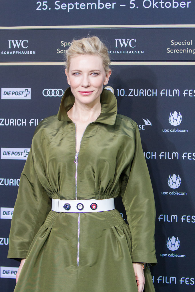 cate blanchet on the  carpet